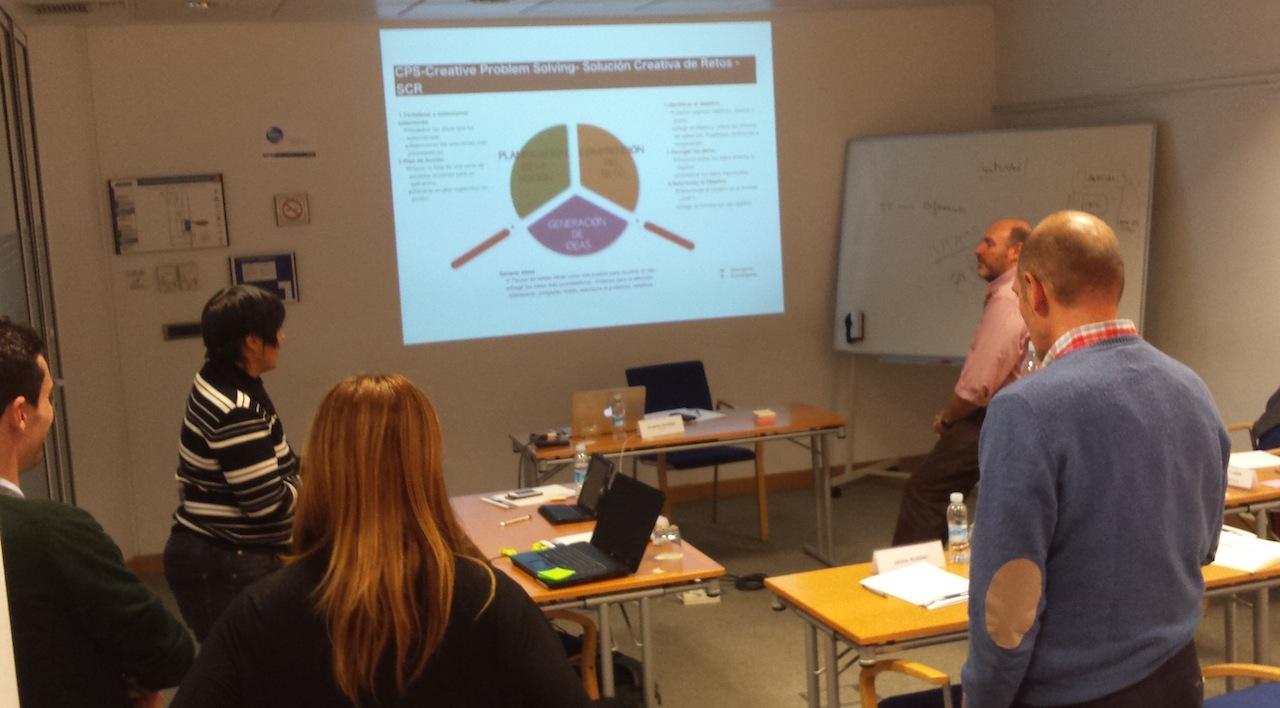 """#MentoringColectivo """"Escuela de Emprendedores: """"La creatividad en la propuesta de valor»"""