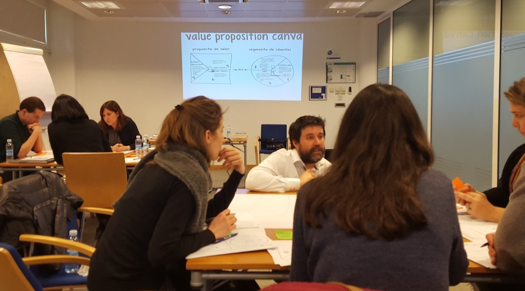"Workshop ""Business Design Lean Startup"" con Nestor Guerra."