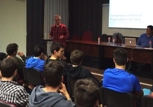 Charlando con los alumnos de Salesianos Urnieta sobre emprendimiento…#ForoEmprendedores